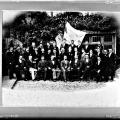 Glasplaat 1895 met groepsfoto van KunstGenegen
